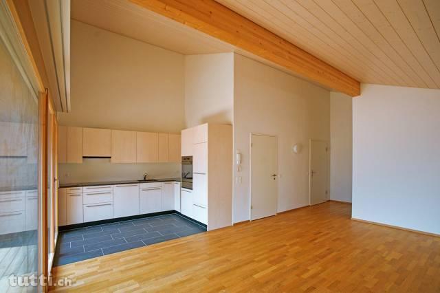 2 1/2-Zimmer-Dachwohnung mit herrlichem Weitb